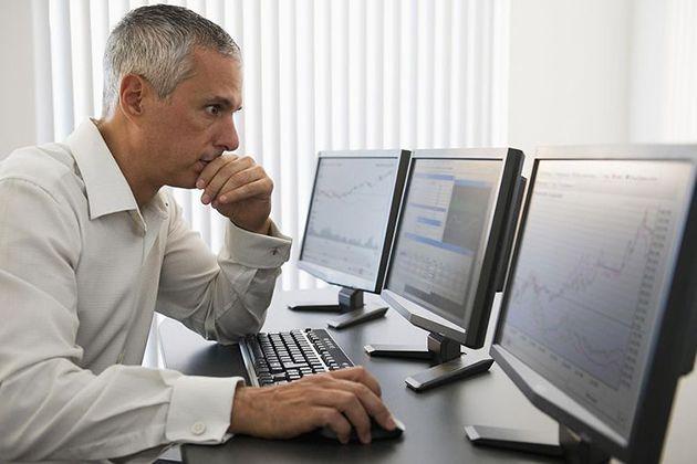obchodovanie na burze - súkromný obchodník v kancelárii