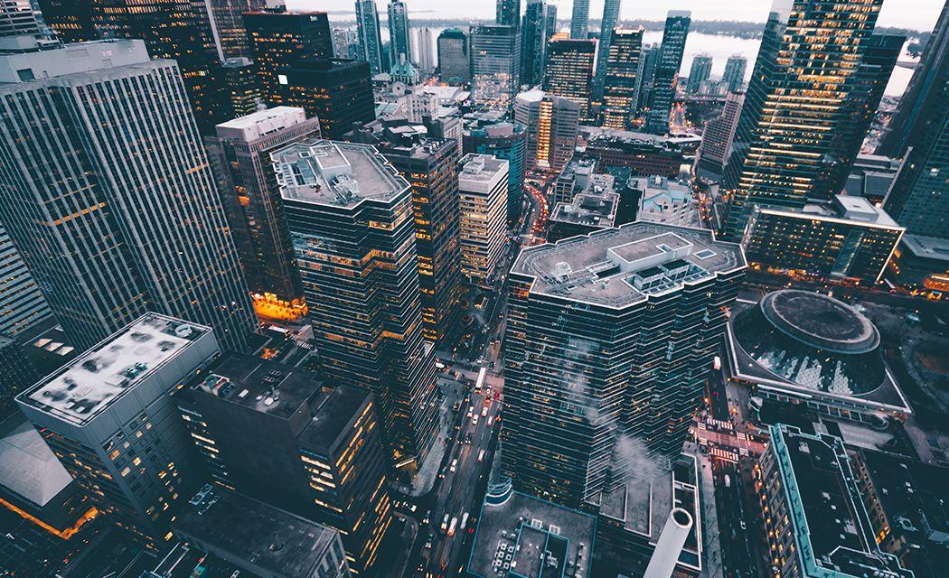 Výber brokera - finančná štvrť v New Yorku