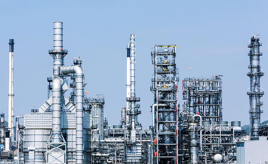 Vývoj ceny ropy, ropné rafinérie