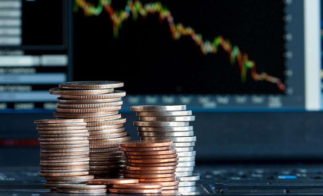 Aké poplatky si účtuje online broker