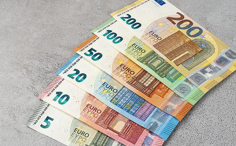 bankovky kurz euro dolar
