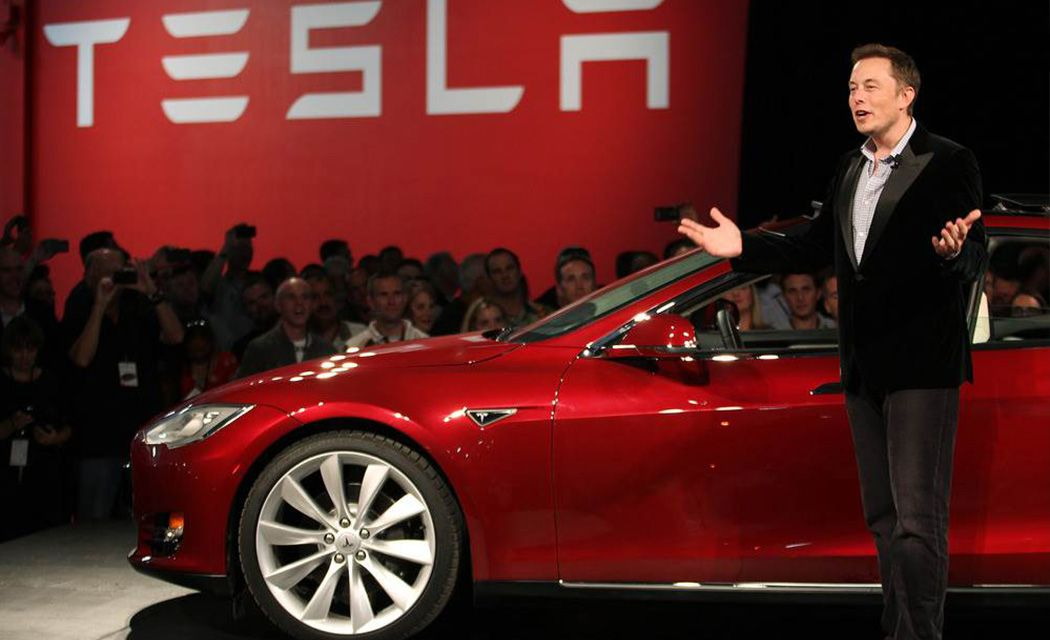 Návod pre začiatočníkov, ako kúpiť akcie Tesla na burze